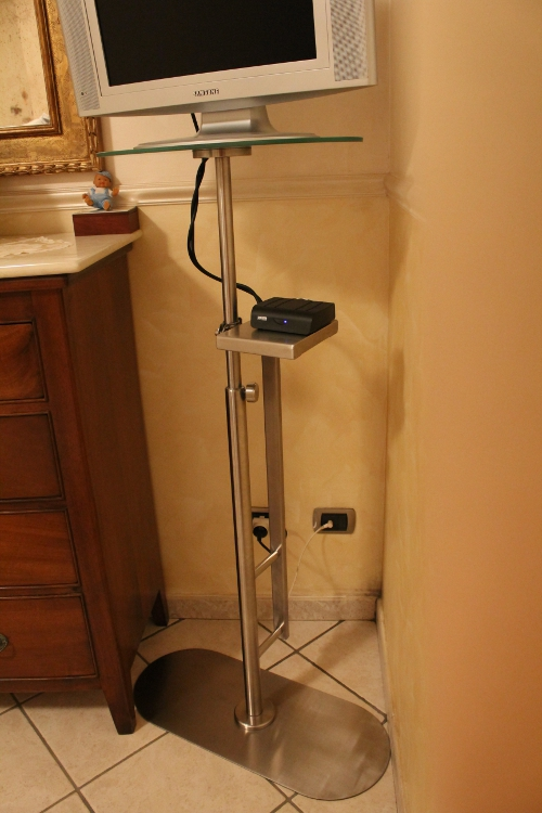 Mobile porta tv in acciaio e vetro - Porta televisore in vetro ...
