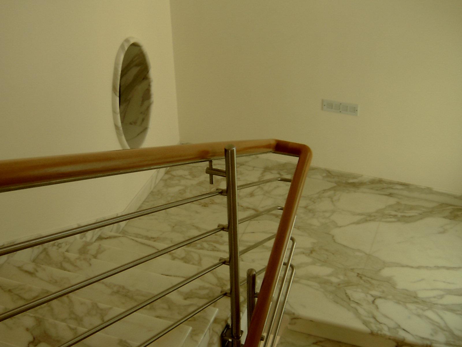 Corsi Interior Design Firenze, Corrimano Scale Interne, Corrimani Scale, Cornici Per Camini In ...
