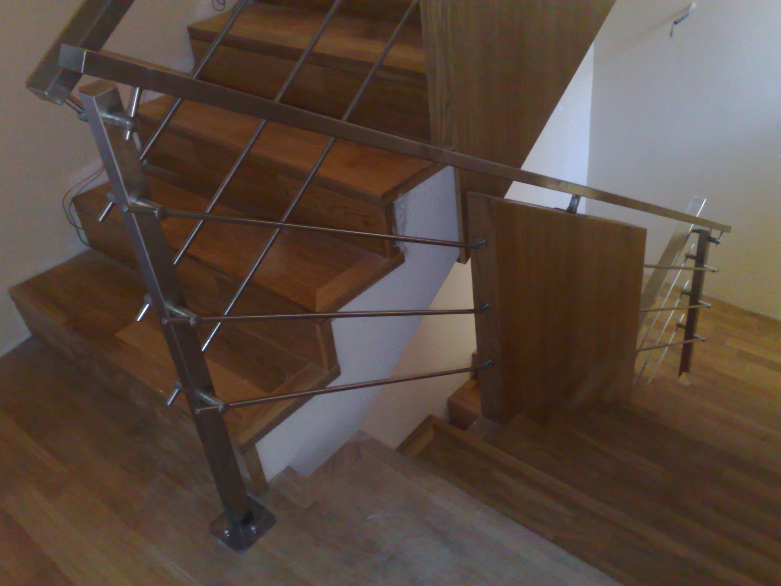 Appendiabiti a muro design for Scala interna in legno