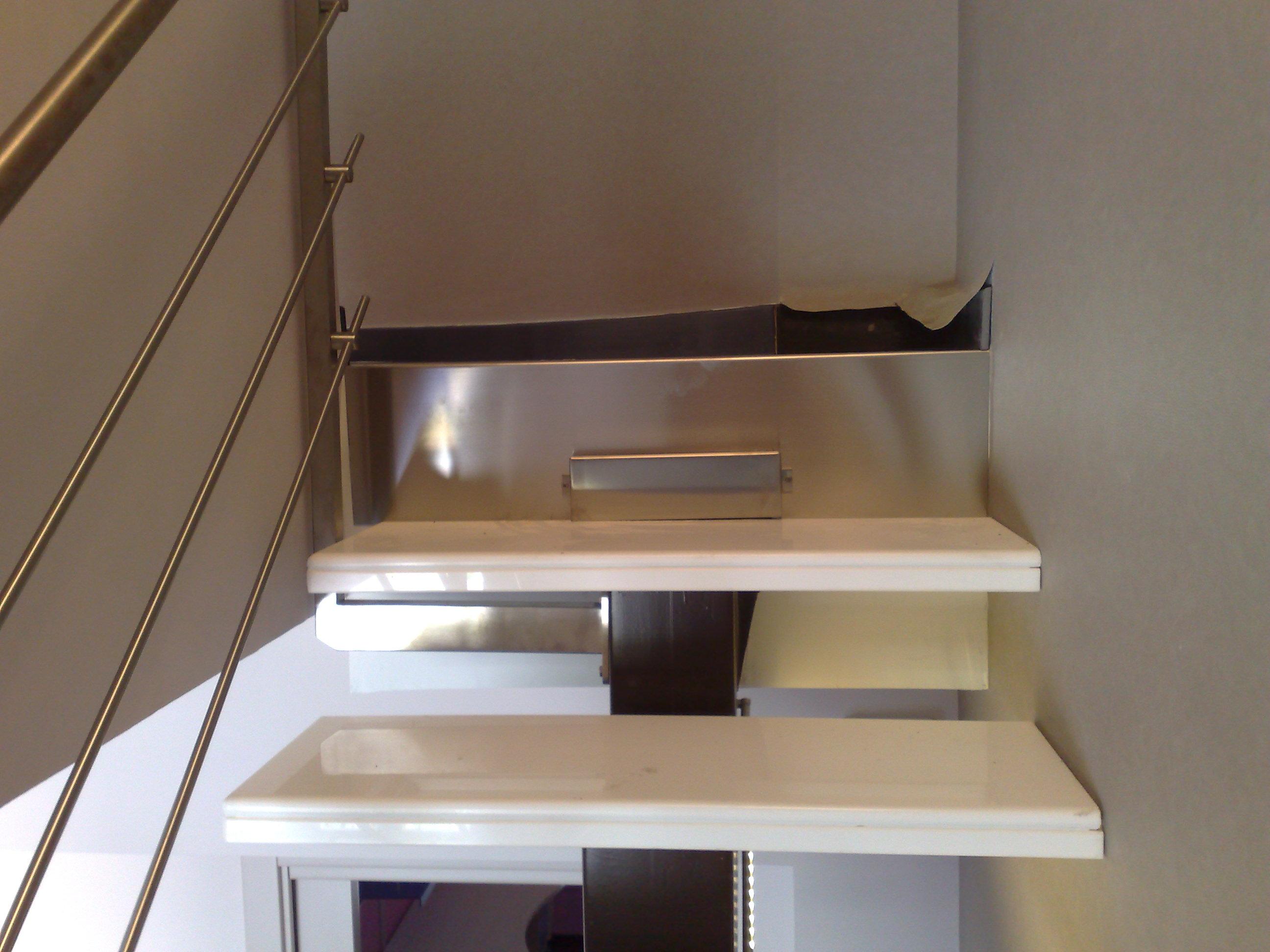 Scala autoportante per interni in ferro e acciaio inox - Costo scale in legno per interni ...